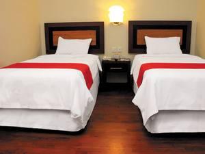 Lampion Hotel Solo - Kamar Superior dengan 2 kasur terpisah