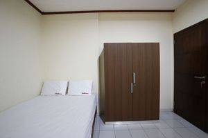 RedDoorz @Mampang 23 Jakarta - Kamar tamu