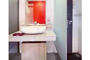 Favehotel Cimanuk Garut - Bathroom