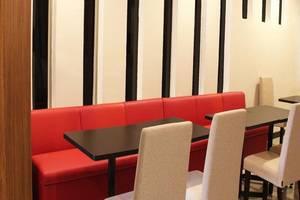 Luxpoint Hotel Surabaya - Restoran