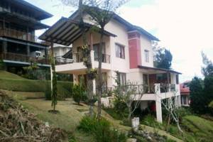 Villa Istana Bunga 3 Bedrooms Bandung - Villa Blok i 1 no. 24