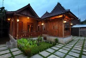 Omah Teras Bata Guesthouse