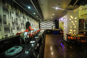 Zia Boutique Hotel Batam - Hangry Pool Restaurant4