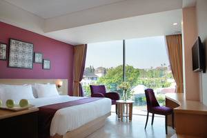 Grand Edge Hotel Semarang - Deluxe Room Double Bed