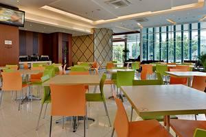 ZEN Premium Soepomo 100 Jakarta - Restoran