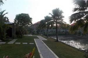 Umae Villa Bali - Taman