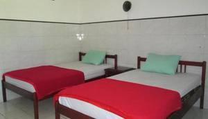 Hotel Legen 2 Baturaden - Room