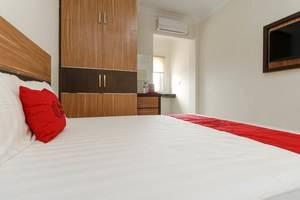 RedDoorz Plus near Palembang Square Mall Palembang - Bedroom
