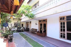 RedDoorz @Hangtuah Renon Bali - Eksterior