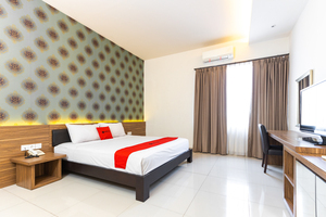 RedDoorz Plus @ Celebes Indah Hotel