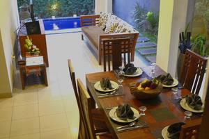 Villa Madhya Bali - dining room