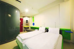 Pop Hotel Kuta - Twin Room