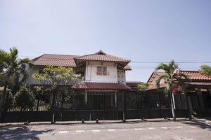 RedDoorz near Juanda Airport T1 Surabaya - Exterior