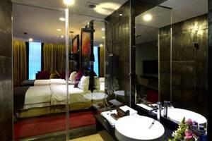 Amaroossa Cosmo Jakarta - Deluxe Bathroom