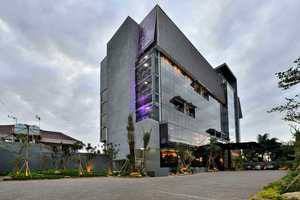 Amaroossa Cosmo Jakarta - Hotel Building