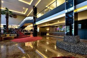 Amaroossa Cosmo Jakarta - Hotel Lobby