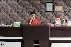Hotel Dharma Utama Pekanbaru - Receptionist