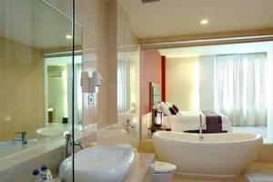 Lombok Plaza Hotel & Convention Cakranegara - Kamar mandi