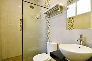 ZenRooms Kemang Pejaten - Kamar mandi
