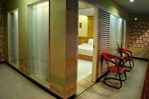 Hotel Hangtuah Padang - balkon