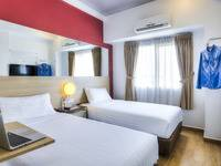 Red Planet Jakarta Pasar Baru - Twin Room Hot Deal Regular Plan