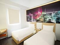 Cleo Hotel Jemursari - Biz Twin Room - With Breakfast + Dinner Regular Plan