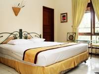 Taman Sari Hotel & Resort Sukabumi  Sukabumi - Deluxe with Garden and Pool View Room Only Regular Plan
