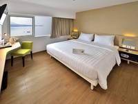 Whiz Prime Megamas Manado - Superior Double Sea View Room Only Regular Plan