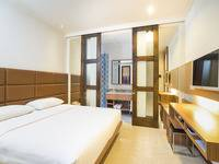 Alron Hotel Kuta - Superior Triple Room Only  Last Minute