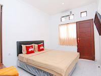 ZenRooms Raya Gelogor Carik Denpasar - Double Room Regular Plan
