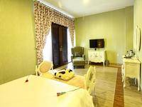 The Victoria Luxurious Guest House Bandung - Suite Room Breakfast Regular Plan