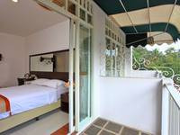 The Victoria Luxurious Guest House Bandung - DELUXE DOUBLE BALCONY ROOM Regular Plan