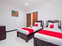 RedDoorz Near ITC Fatmawati Jakarta - Twin Room Regular Plan