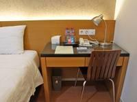 RedDoorz near Plaza Marina Surabaya - RedDoorz Room Regular Plan
