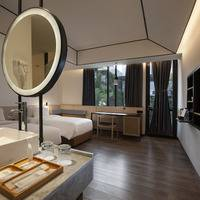 GAIA Cosmo Hotel Jogja - Deluxe Twin Pool View With Breakfast Regular Plan