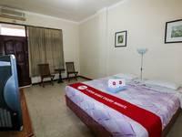 NIDA Rooms Mantrijeron Tugu Station - Double Room Double Occupancy NIDA Fantastic Promo