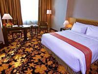 Rocky Plaza Hotel Padang - Kamar Deluxe King Regular Plan