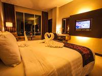 Horison Ultima Kings Batam - Deluxe Double  Promo