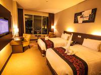 Horison Ultima Kings Batam - Deluxe Twin City View Regular Plan