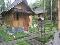 Villa Kampung Karuhun Sutan Raja di Bandung/Ciwidey