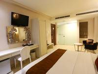 Hotel Pyrenees Jogja - Junior Suite King Room ( 1 Bed Besar ) Regular Plan