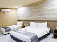 Best Skip Hotel Palembang - Triple Room Regular Plan