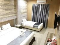 Best Skip Hotel Palembang - Triple Room with Breakfast Regular Plan