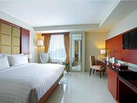 Hotel Santika Makassar - Deluxe Suite Room King Regular Plan
