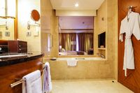 JW Marriott Medan - Kamar Deluks, akses business lounge (Executive) Regular Plan