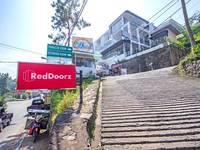 RedDoorz Plus @ Sersan Bajuri 2 di Bandung/Setiabudi