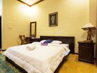 Tinggal Standard Jalan Jakarta Klojen Malang - Superior Room Hot Deal Sale