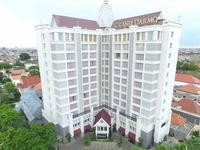 Grand Darmo Suite by AMITHYA di Surabaya/Wonokromo