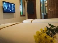 Flores Gallery Hotel Bandung - Deluxe Room Regular Plan