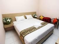 C Stone Hotel Surabaya - Deluxe Double Room Regular Plan
